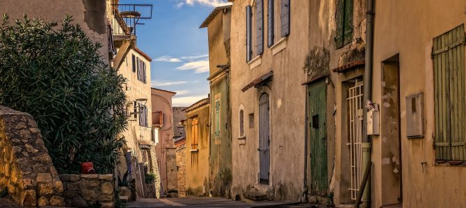 Retire Early in France – Without All The Tax